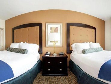 Апартаменты Holiday Inn Express Hotel & Suites Mobile Saraland
