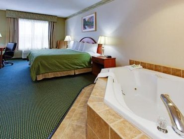Апартаменты Country Inn & Suites Brockton