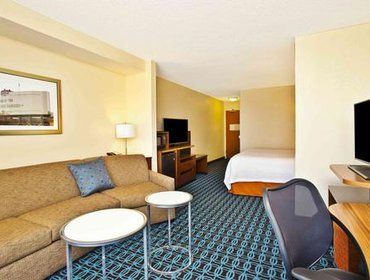 Апартаменты Fairfield Inn and Suites by Marriott Madison West / Middleton