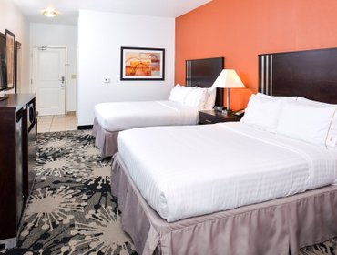 Апартаменты Holiday Inn Express & Suites Greenfield