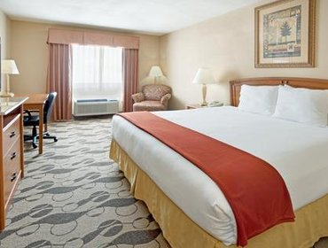 Апартаменты Holiday Inn Express Hotel & Suites Elgin