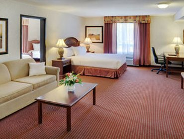 Апартаменты Pomeroy Inn and Suites Dawson Creek