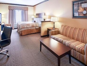Апартаменты Best Western PLUS Royal Mountain Inn & Suites