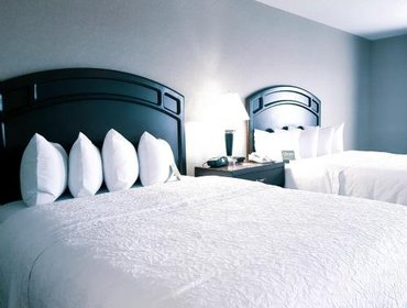 Апартаменты Hampton Inn & Suites by Hilton Edmonton International Airport